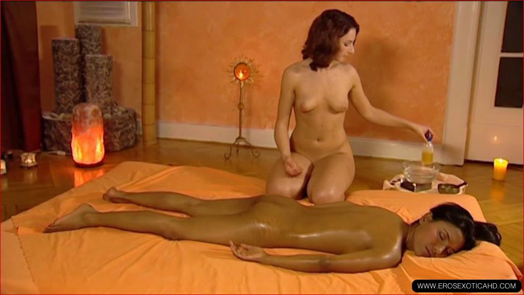 mamka-na-massazhe-video